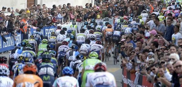 Le peloton va quitter l'Italie, mais y reviendra en fin de saison, pour les Mondiaux et le Tour de Lombardie - Photo Giro d'Italia