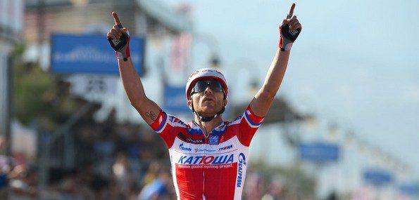 En remportant la troisième étape du Giro, Luca Paolini s'est emparé du maillot rose de leader - Photo Katusha