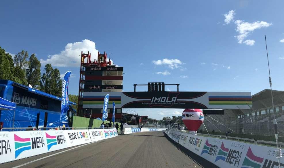 Le départ et l'arrivée se fera sur le circuit automobile d'Imola. Photo : Twitter